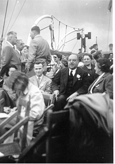 Outing to the Firth of Clyde. In the center are Italian mathematicians E. Marchionna and A. Terracini
